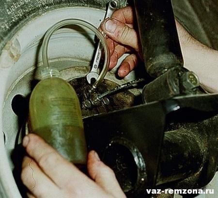 как выполняется прокачка тормозов ваз 2109