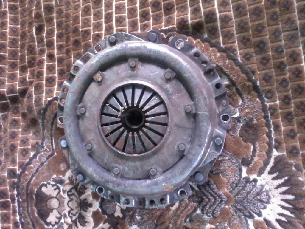 корзина сцепления автомобиля ВАЗ 2109 с выработкой
